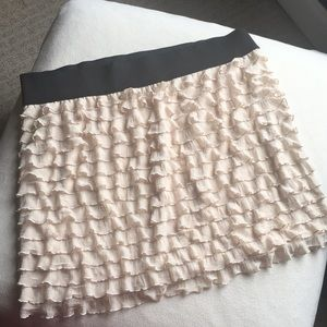 Free People cream color frilly skirt sz L
